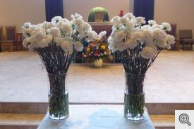 Each carnation represents one of the Council's 140 deceased knights.